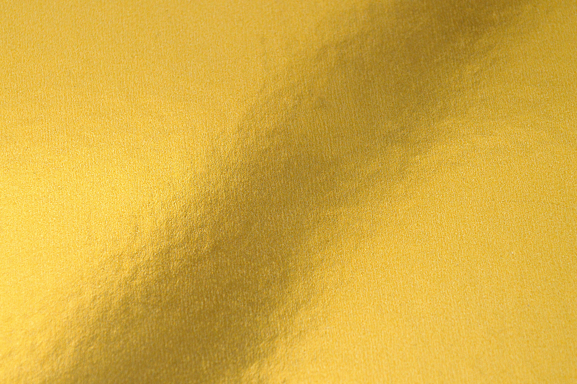 On the Color of Gold